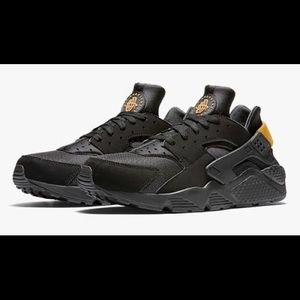 "Nike Huarache ""Black Gold"""